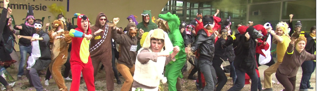 Acción de EZLN en Bruselas en el marco del #TTIPGameOver