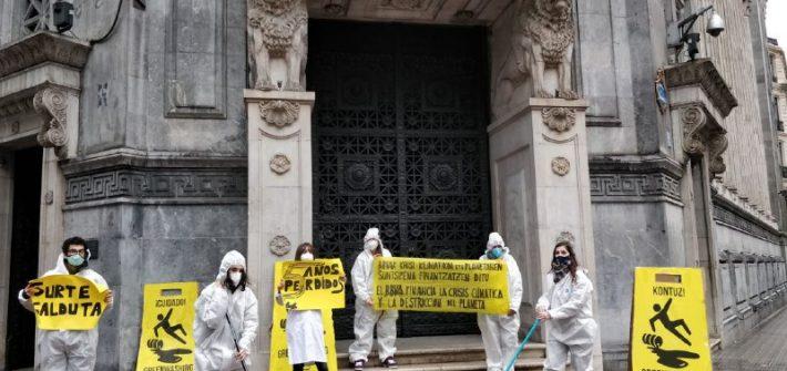 Acción contra el BBVA y su apoyo a las industrias fósiles
